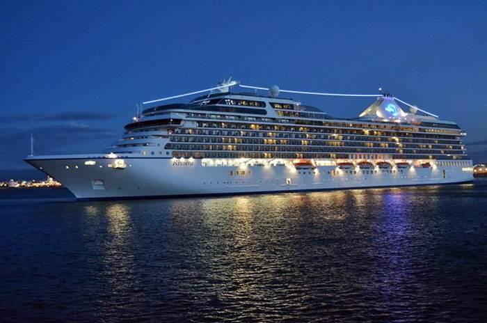 Riviera, Oceania Cruises, in Tarragona