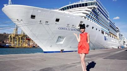 Costa Luminosa protagonista di una sfilata di moda in mezzo all'Oceano