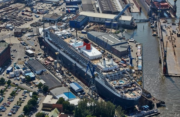 Queen Mary 2, Areal View, Cunard