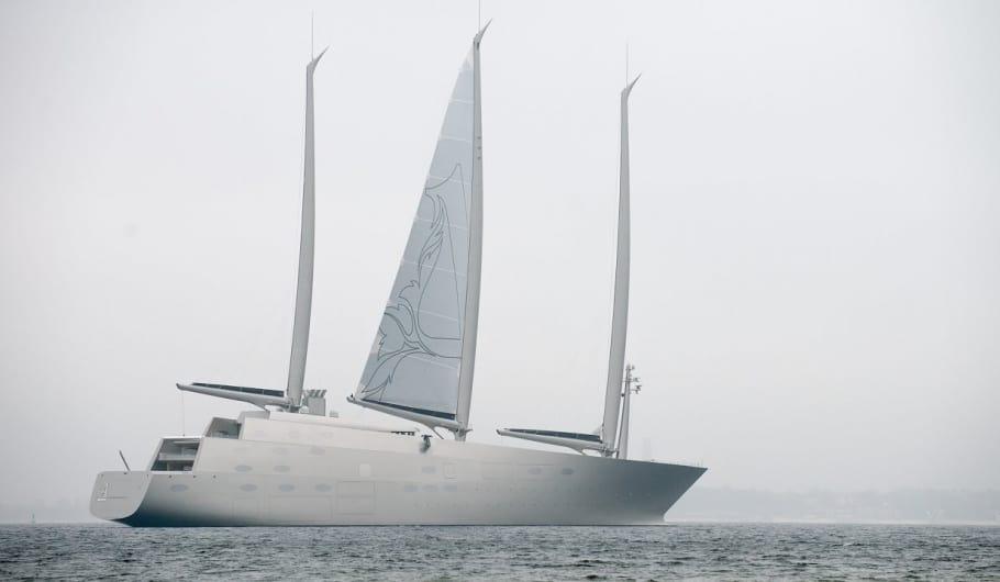 Lo yacht più grande del mondo prende il mare per la prima volta