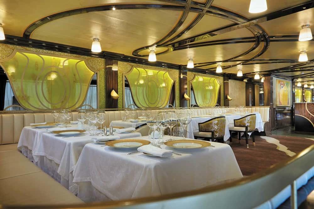 exp-chartreuse-seven-seas-voyager-regent-seven-seas-cruises