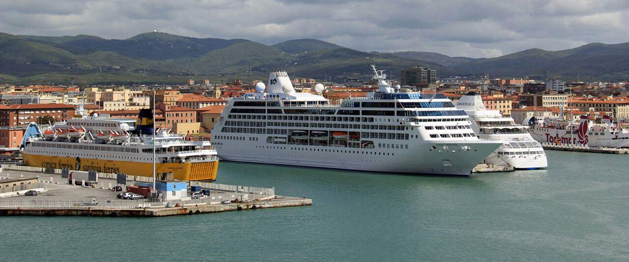 Porto di Livorno, nel 2016 crociere e traghetti in ...