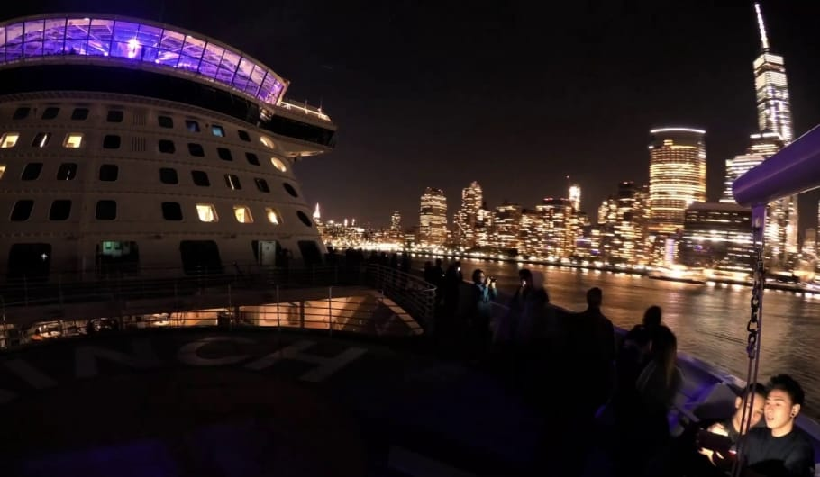 Anthem of the Seas naviga tra i grattacieli di New York