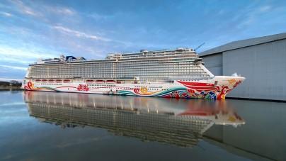 Norwegian Joy: completata la navigazione lungo il fiume Ems. A fine aprile la consegna. E' la prima nave NCL progettata per il mercato cinese
