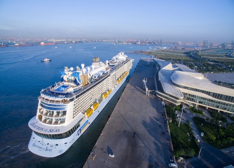 Ovation of the Seas, Royal Caribbean International, Cina