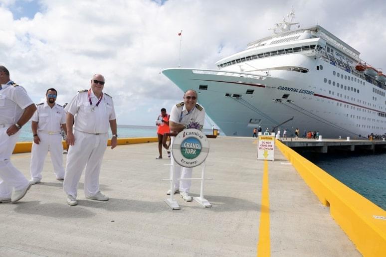 Grand Turk riapre, Caraibi, Carnival Ecstasy, Carnival Cruise Line
