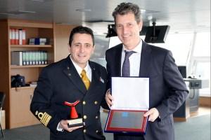 ship_HZ_Ceremony_20130101P15_0057