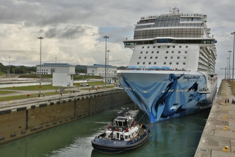 Norwegian Bliss Panama 2