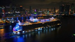 VIDEO: Symphony of the Seas arriva a Miami