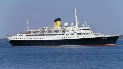 Nuova vita per la storica Funchal: sarà hotel galleggiante a Londra
