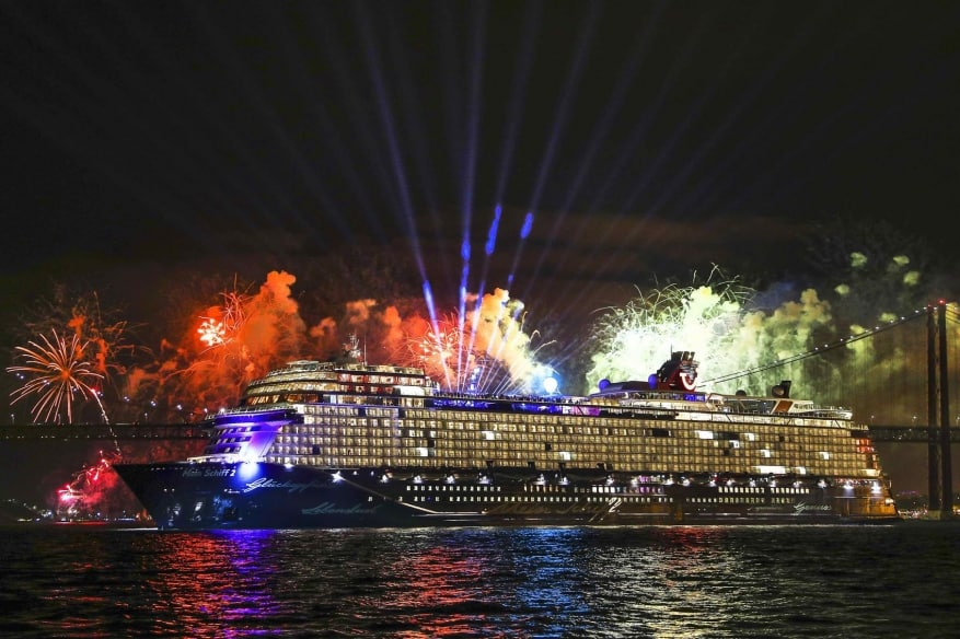 TUI Cruises: battesimo per Mein Schiff 2 a Lisbona