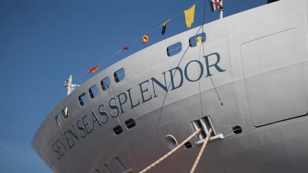 Regent, Serena Melani il primo Comandante donna del settore crocieristico a varare una nuova nave da crociera