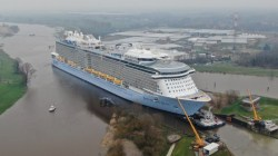 Royal Caribbean, al via il trasferimento di Spectrum of the Seas sul fiume Ems